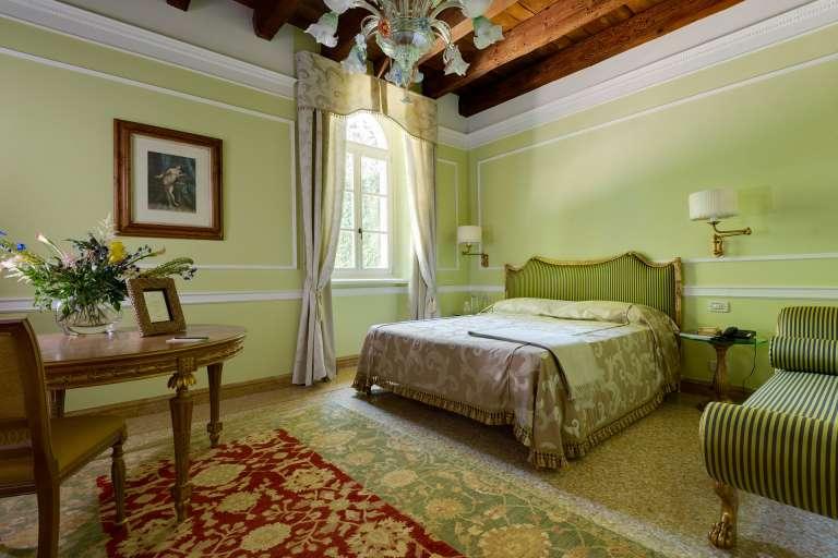 Chambres Elégance avec jacuzzi